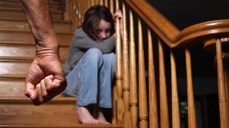 Enfants exposés aux violences familiales : symptômes et séquelles