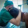 Claude et opérée 1 salle opération
